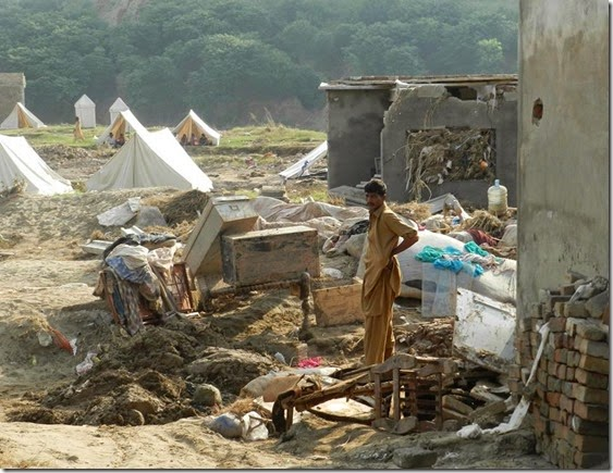 Flood Victim Tents Pakistan 9-2014