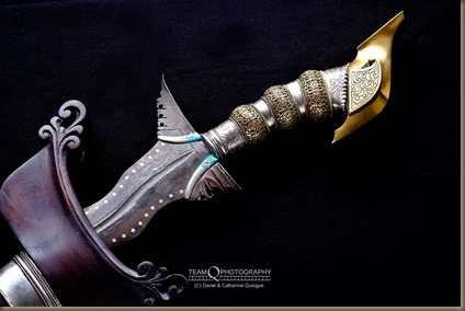 Maguindanao kris with kakatua pommel and silver inlaid dots along blade