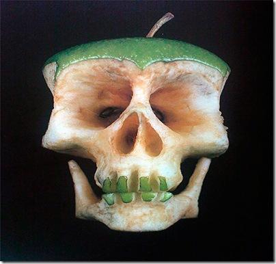 Dimitri-Tsykalov-sculpturi in fructe