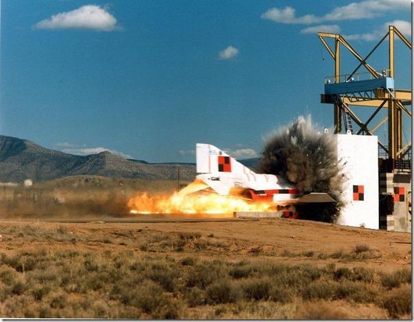 Teste de colisão com um ônibus espacial (2)