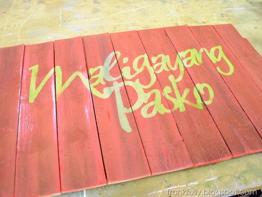 Maligayang Pasko sign in progress