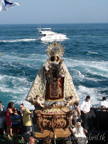 carmen-coronada-de-malaga-2013-felicitacion-novena-besamanos-procesion-maritima-terrestre-exorno-floral-alvaro-abril-(78).jpg