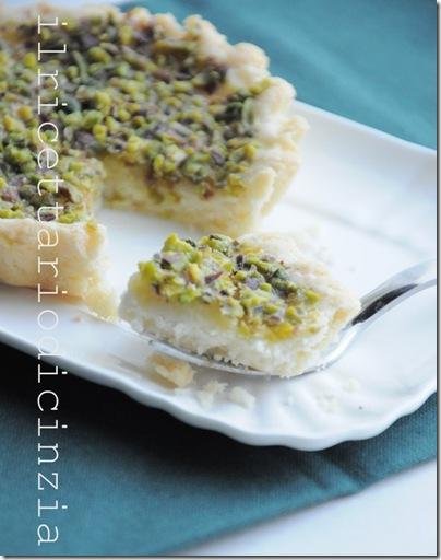 tartelerre di frolla con crema al prosecco e granella di pistacchi