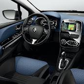 2013-Renault-Clio-4-Interior-2.jpg