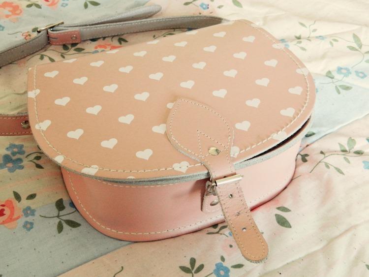 Zatchels-Love-Heart-Saddle-Bag-Satchel-Sale-Review-2