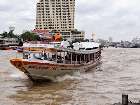 5. Chao Praya Express.JPG
