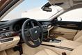 2013-BMW-7-Series-224