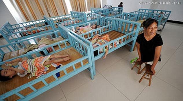 Tak Punya Kaki, Tapi Mampu Mengurus 130 Anak