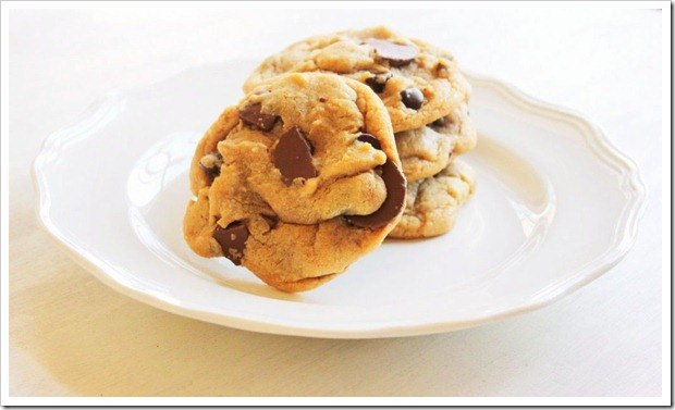 giant-chewy-chocolate-chip-cookies1