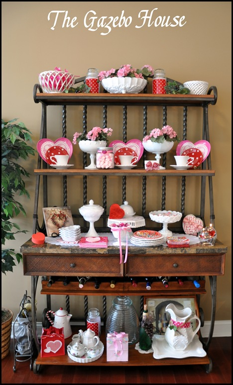 Valentines table & backers rack 002