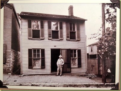 Mark Twain visiting his house