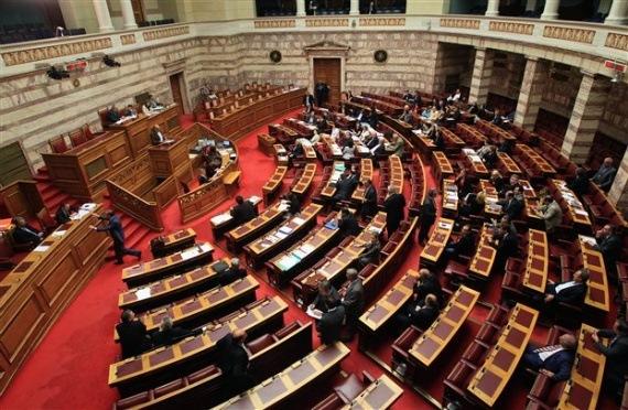 Σε «κινούμενη άμμο» πέρασε το νομοσχέδιο για τις αποκρατικοποιήσεις – Καταψηφίστηκε η τροπολογία για τον ΕΟΠΠΥ