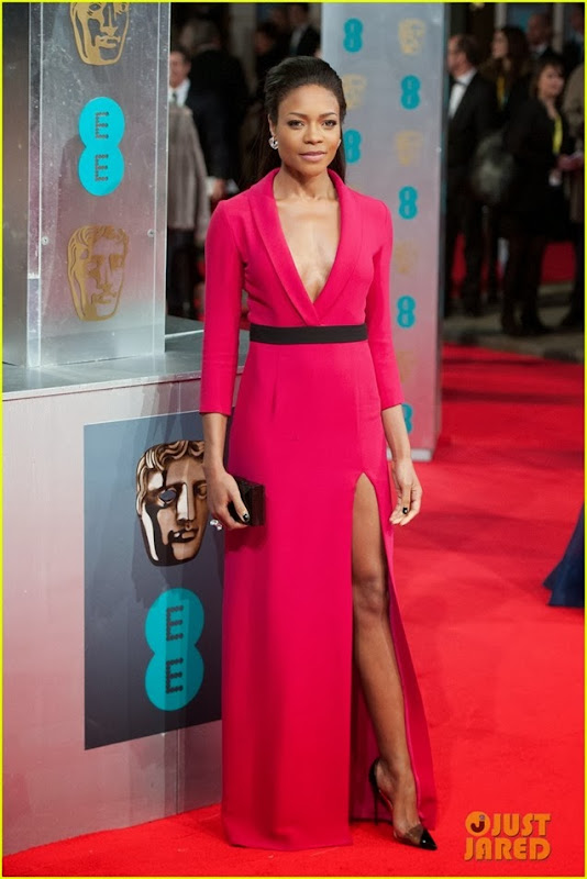 naomie-harris-baftas-2014-red-carpet-04