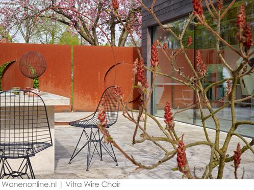 vitra-wire-chair-voor-buiten-02