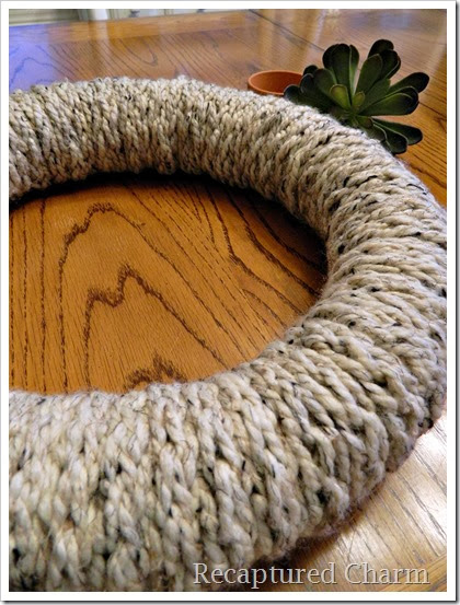 finger knitted wreath1
