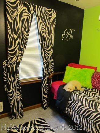 Teen bedroom zebra print cameo july promotion my for Cute zebra bedroom ideas