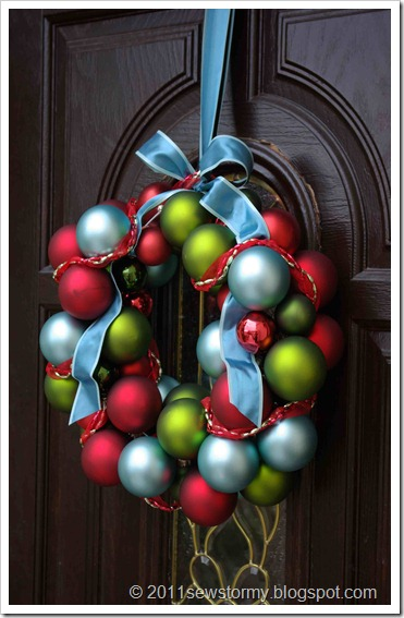 Christmas Bulb Wreath 2