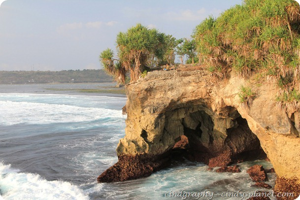 Wahana Cliff-The cave