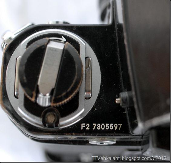 Nikon F2 sumukuvia 042