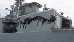 hmcs-algonquin-warship-damage-1-6col