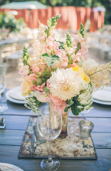 garden-wedding-flowers vis photography and tricia fountaine