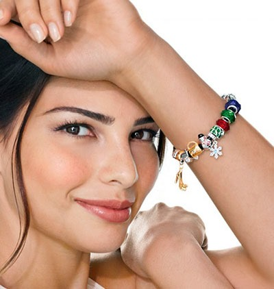 2013-06-07-Avon-Charming-Moments-Charms-and-Bracelet