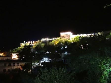 33. Castelul Gjirokaster noaptea.JPG