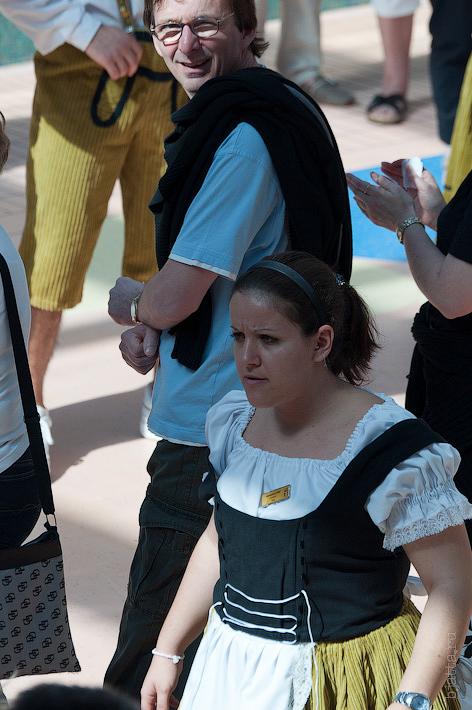 18. Эта Бразильянка смотрелась бесподобно. Октоберфест в феврале на Costa Concordia.