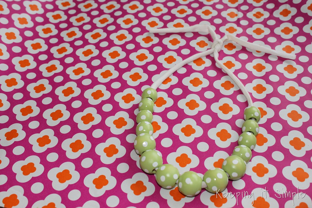 [polka%2520dot%2520wooden%2520beads%2520necklace%2520%25287%2529%255B8%255D.jpg]