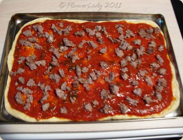 09-14-ital-saus-kale-pizza3