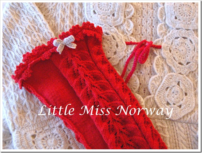 RED VM JUL LEGWARMERS2