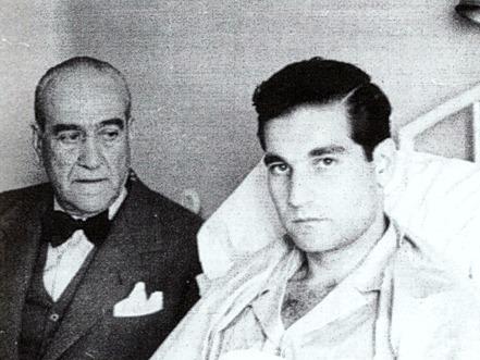 1947 El Papa Negro con su hijo Antonio convaleciente 001