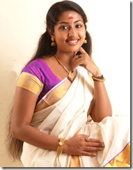 navya_nair_in_kerala_saree