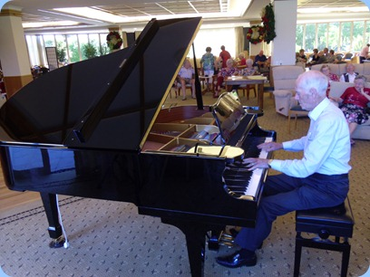 We were honoured to have Rendall Miller join us for our Party and he joined in the activities with some splendid playing on the grand piano during Happy Hour. Later in the evening he duetted with Maran Burns! Great stuff.