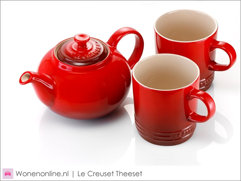 Le-Creuset-Theeset-1