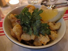 Chipirons frits et piment d'Espelette – Crispy baby squid and piment d'Espelette