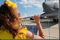 Девушки на авиасалоне МАКС-2011