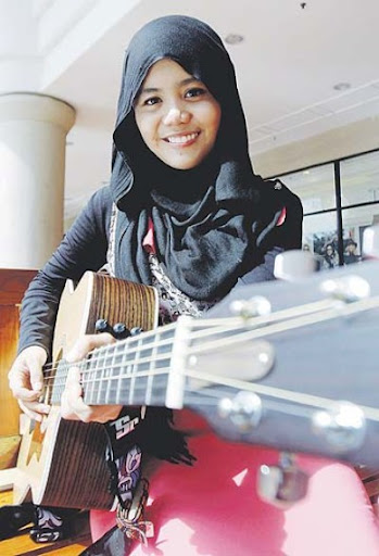 gambar najwa latif biodata najwa latif