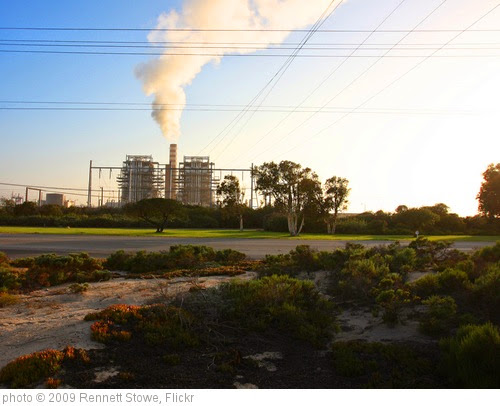 'Coal-fired Power Plant' photo (c) 2009, Rennett Stowe - license: https://creativecommons.org/licenses/by/2.0/