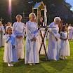 10 Bruidjes en Maria ter Eik in processiepark.JPG