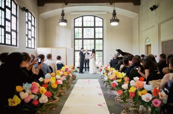 crepe-paper-flowers-for-wedding-ceremony-decor__full