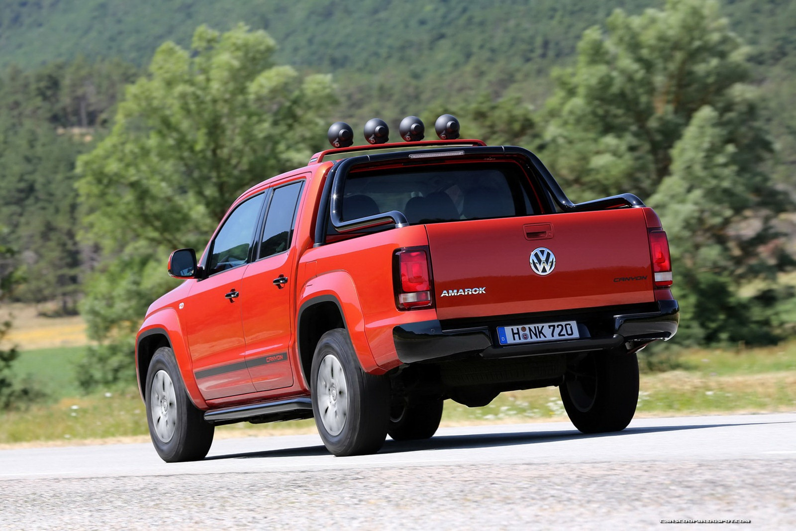 vw producing amarok canyon edition nordschleife autoblahg. Black Bedroom Furniture Sets. Home Design Ideas