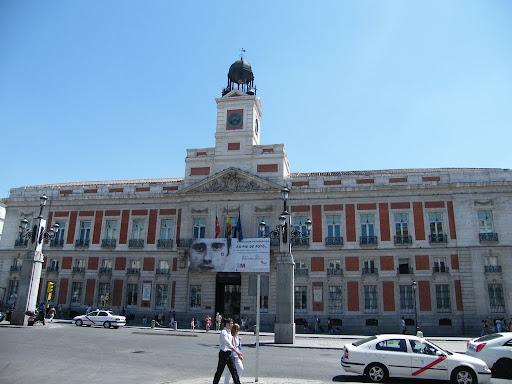 Real casa de correos madrid gu a de viajes y turismo for Real casa de correos madrid