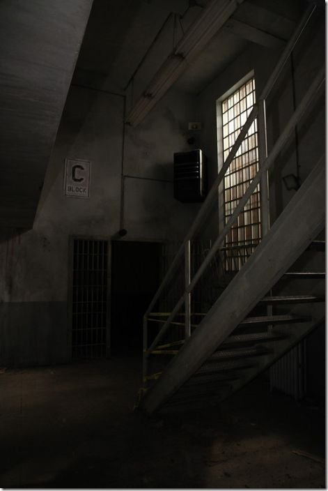 walking-dead-prison-set-3