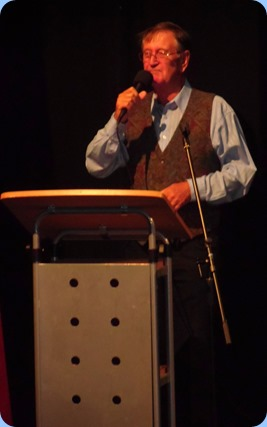 Our MC for the Concert, Len Hancy, introducing the Concert and artists.