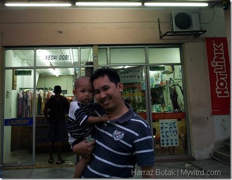 Harraz Selesai Gunting Rambut