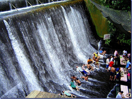 Waterfalls-Restaurant-in-Villa-Escudero-21