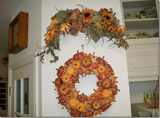 Fall decorations early 011