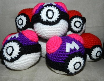 pokeball master ball amigurumi