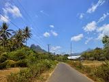 The road into Bantimurung-Bulusaraung National Park on the way to Tondongkarambu (Dan Quinn, October 2013)
